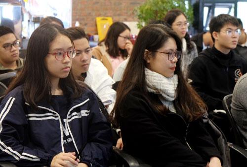 Nhiều học sinh Hà Nội và các bạn trẻ sẽ sang du học tại Australia vào tháng 2 tham dự tọa đàm trao đổi kinh nghiệm.