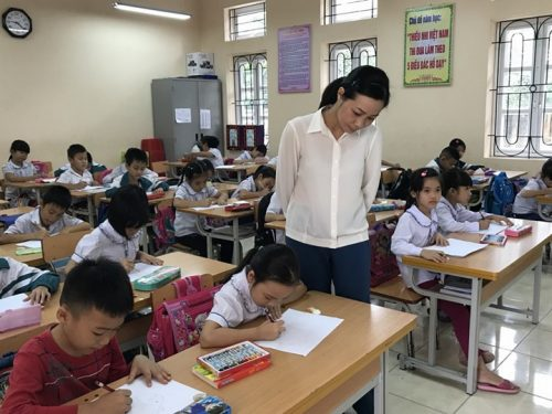 Thi giáo viên dạy giỏi như hiện nay chủ yếu là diễn