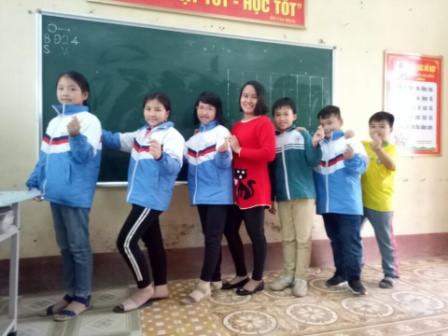 Cô giáo 9X đưa kịch vào giờ học tiếng Anh