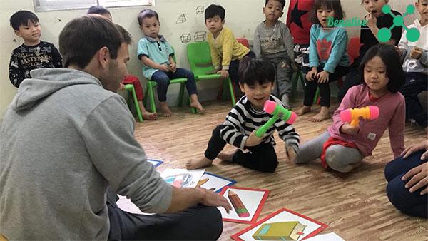 Học tiếng Anh trẻ em với 3 cách sáng tạo
