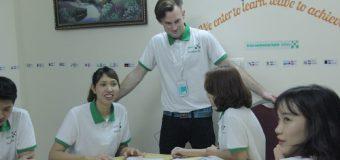 Học tiếng Anh với người nước ngoài tại Benative